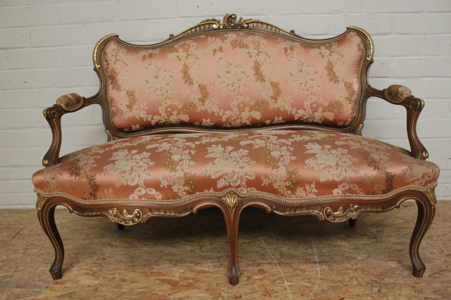 5 Pc. Walnut Louis XV Sofa Set With Gilt Accents 19th Century.   Seats    Houtroos