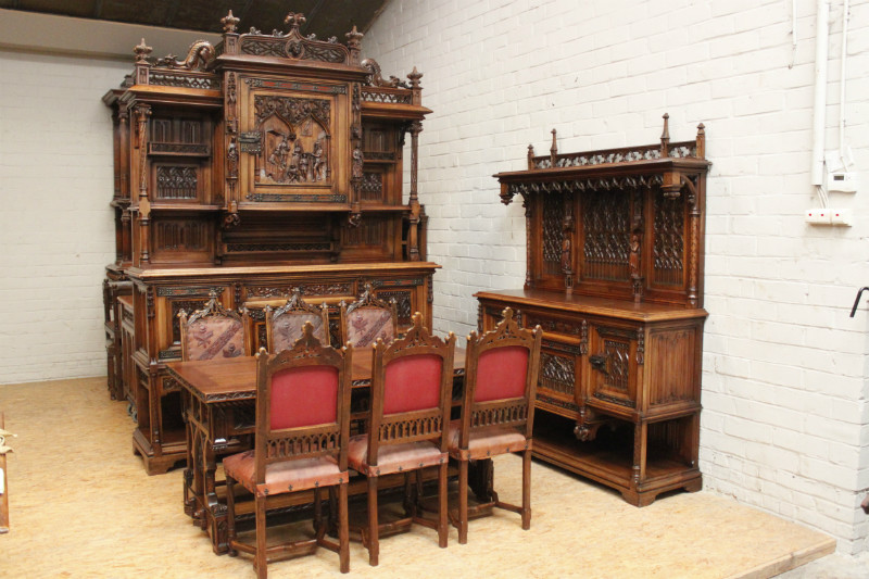 9 Pc. Exceptional Quality walnut Gothic dining room 19th ...