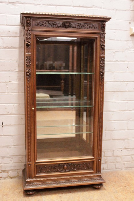 Best Quality Renaissance Style Display Cabinet In Walnut