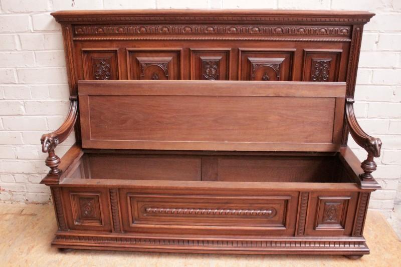 Remarkable Best Quality Renaissance Style Hall Bench In Walnut Seats Spiritservingveterans Wood Chair Design Ideas Spiritservingveteransorg