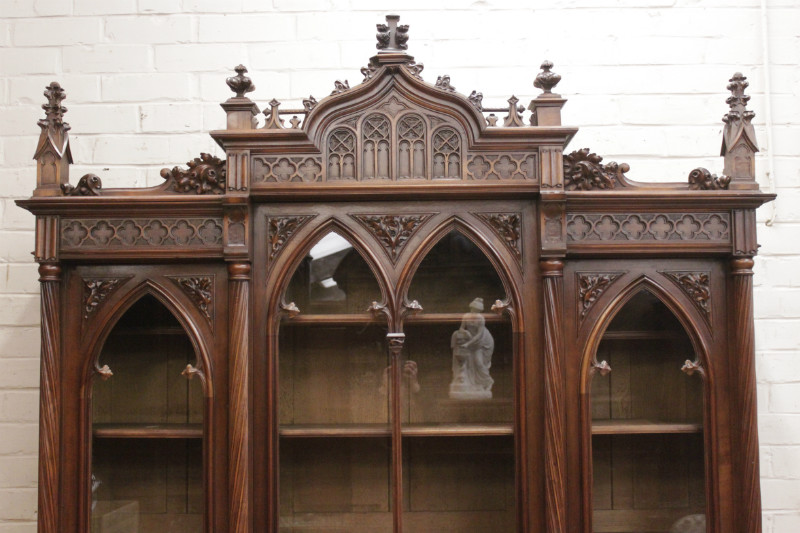 - Gothic Style Bookcase With 3 Doors In Walnut - Bookcases - Houtroos