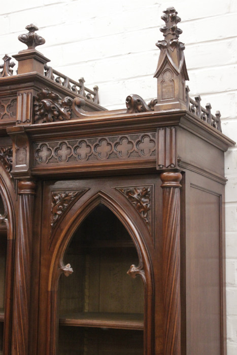Gothic Style Bookcase With 3 Doors In Walnut