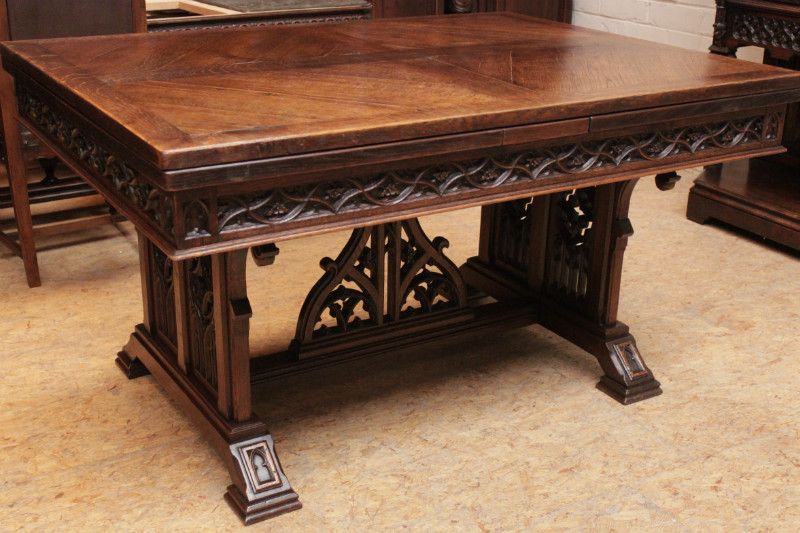 Marvelous Gothic Style Table In Oak With Side Leaves Tables Houtroos Download Free Architecture Designs Xerocsunscenecom