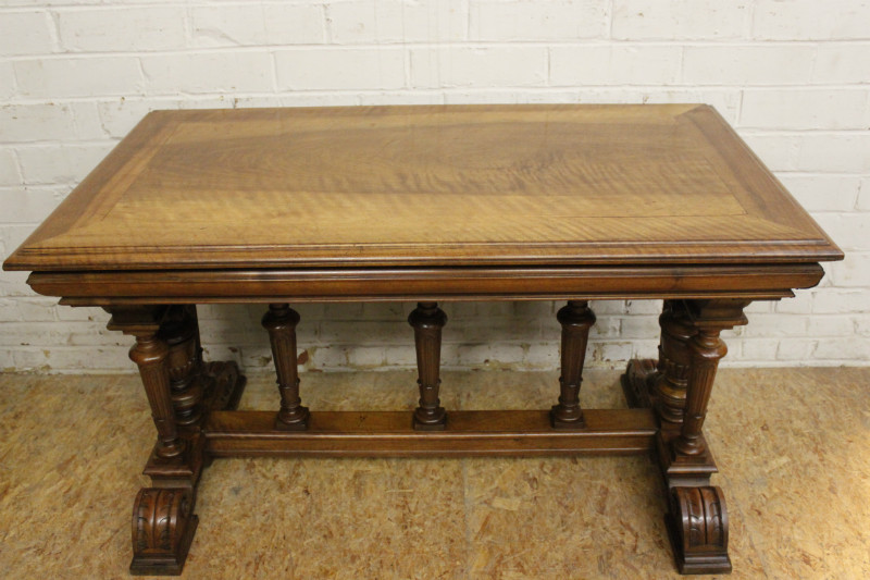 henri ii walnut henri ii desk table desks houtroos. Black Bedroom Furniture Sets. Home Design Ideas
