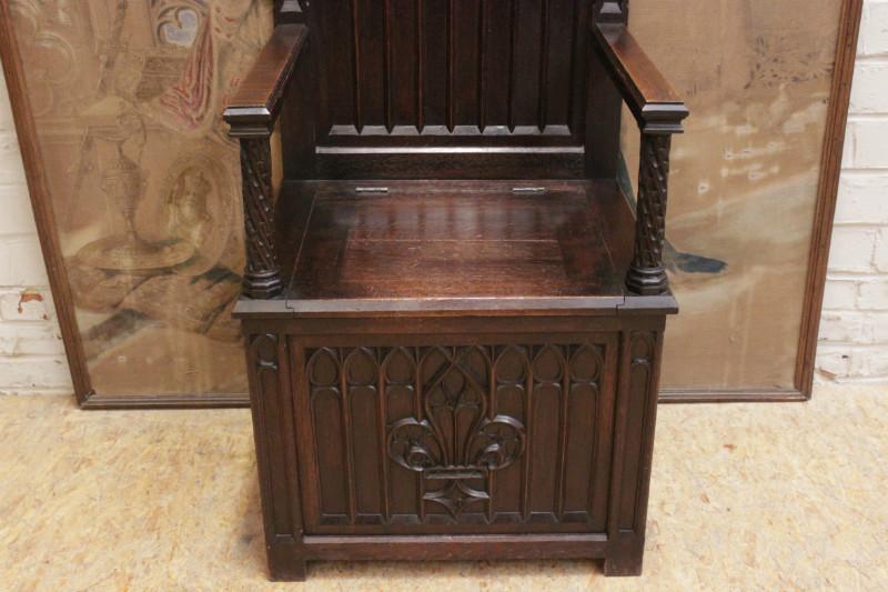 & Oak gothic throne chair - Seats - Houtroos