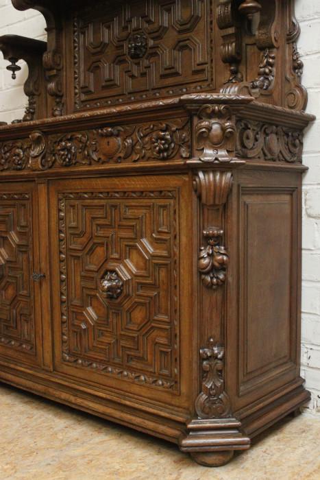 oak renaissance cabinet vaisselier 751euro 1000 euro. Black Bedroom Furniture Sets. Home Design Ideas
