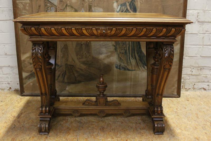walnut henri ii desk table 501 euro 750 euro houtroos. Black Bedroom Furniture Sets. Home Design Ideas